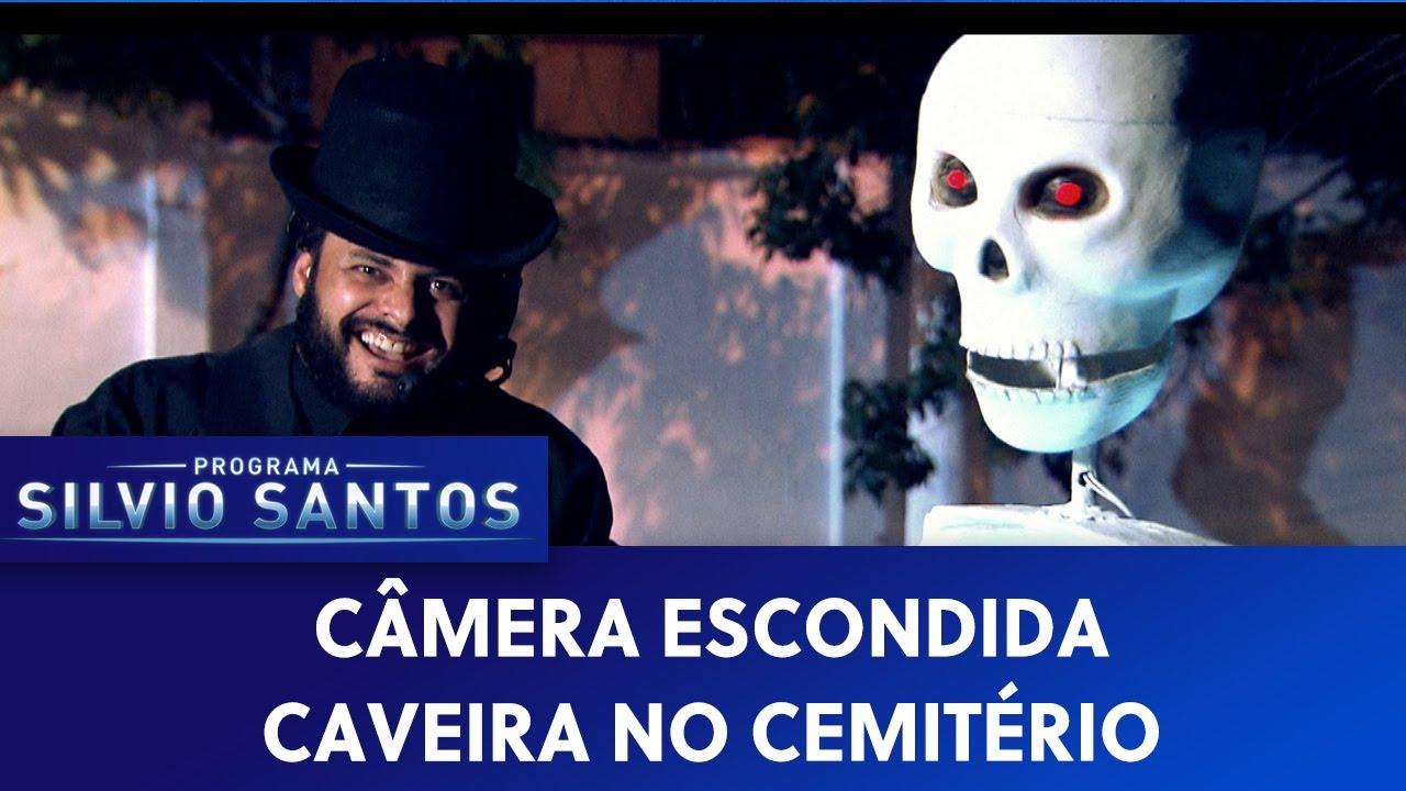 Caveira no Cemitério - Skeleton at the Cemetery | Câmeras Escondidas (04/12/20)