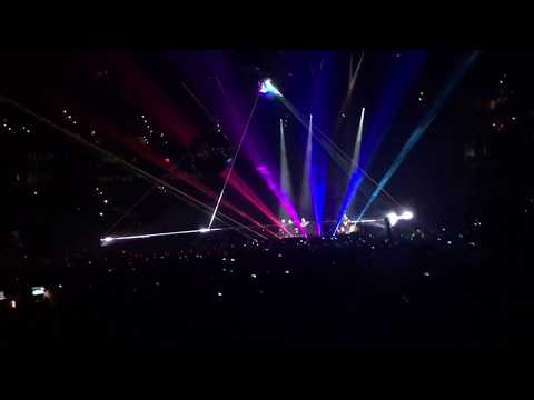 Roger Waters US+THEM 2017 TD Garden(Boston, MA): Brain Damage and Eclipse