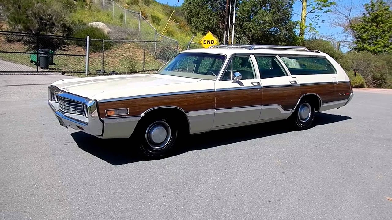1970 Chrysler Town & Country Station Wagon Woodie Estate ...