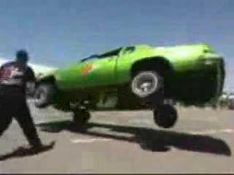 Super Dancing Car