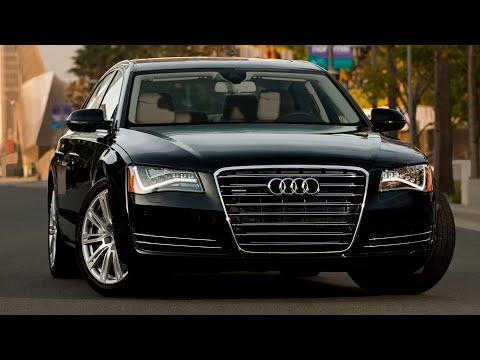 Audi A8 überfährt G20 Demonstranten(Fahrrad)