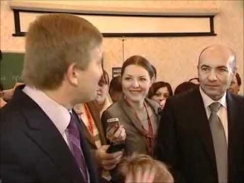 Rinat Akhmetov and Igor Krutoy visiting school No 63