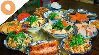 For more information about tet in hanoi, check this out: http://bit.ly/lunarnewyearinhanoifor amazing food experience vietnam, click here: http://bit.ly/o...