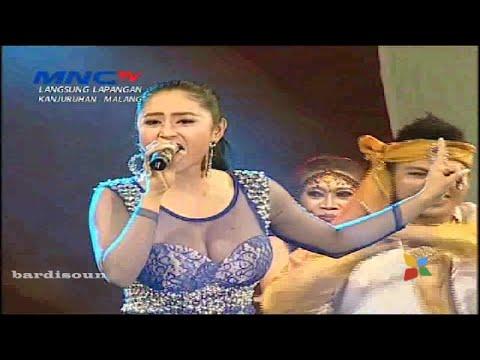 Bum Bum - Dewi Perssik - OM Nirwana | MNCTV Festival Malang