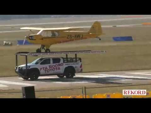 Amazing video of an aircraft landing on the moving vehicle in Pretoria