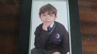 شكل ابني لما كان صغير!