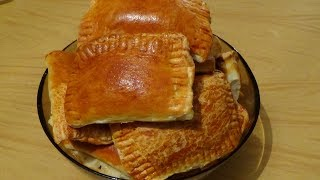 Мои вкусняшки - пирожки с бананами и пирожки с творогом и кедровыми орешками.