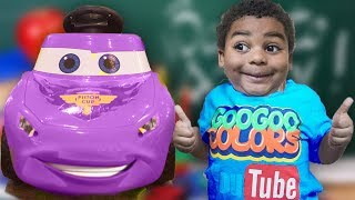 GOO GOO GAGA TEACHING LIGHTNING MCQUEEN HOW TO SPELL N COLOR! A PRETEND PLAY COMPILATION!
