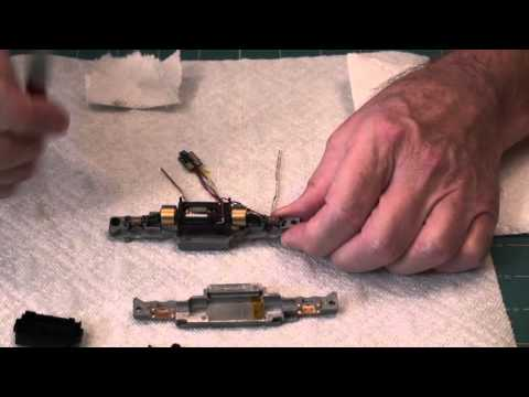 Disassemble, clean and lubricate Atlas EMD S9 – Part 1