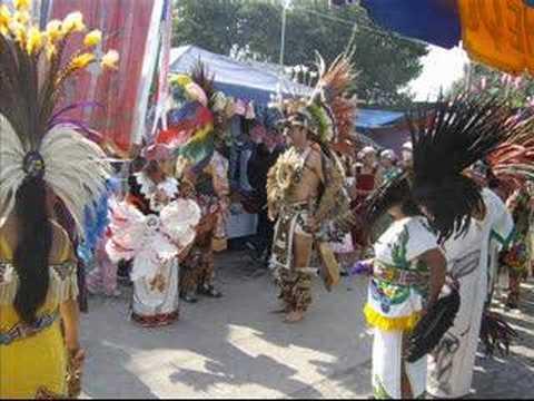 Danza del quetzal apaseo el grande 2009 doovi for Villas quetzal celaya