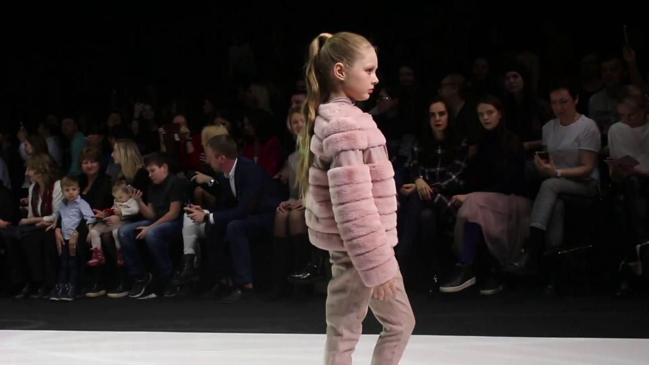0d2bf2102c1 Детская одежда на Неделе моды в Москве - YouTube