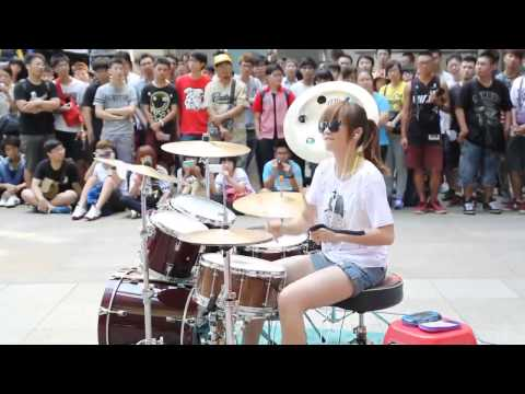 Beautiful Girl Playing Drum - Awesome Talent !