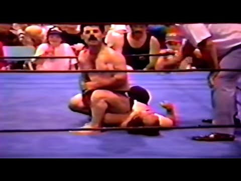 Midget Wrestling: Frenchy Lamonte vs Little Moses 1/4