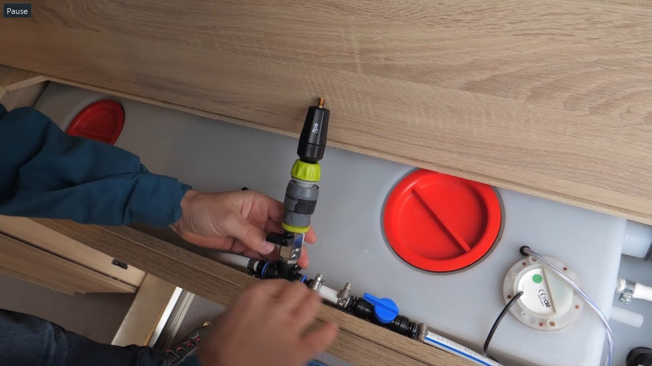floe frostschutz f r das wohnmobil wasserleitungen frei. Black Bedroom Furniture Sets. Home Design Ideas