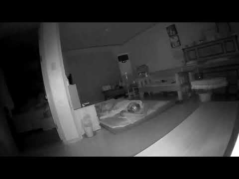 새벽에 집안에서 나는 각종 소음들 (층간소음+기계소리+휘파람+무너지는소리)