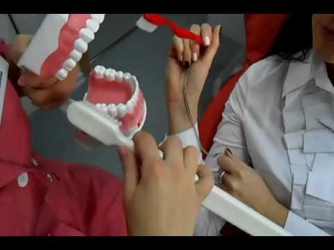 Как восстановить зубную эмаль: профессиональные и домашние