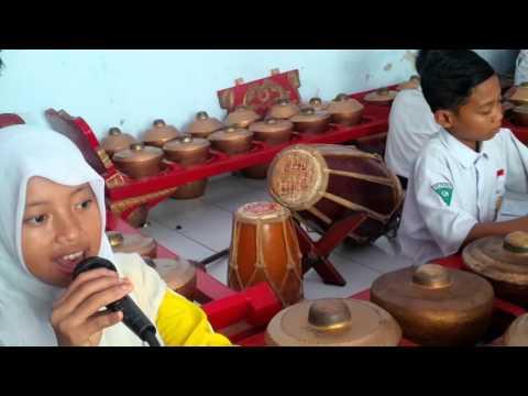 Ayo Ngguyu, Sanggar Dwija Laras, Kelas 7 C. Kendang by Megan