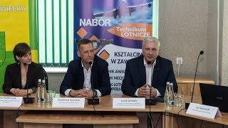 Konferencja prasowa o szkole lotniczej w Nagoszewie