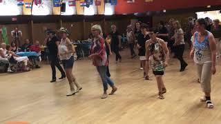BORN TO LOVE - LINE DANCE (Festival Stomp'N Go )