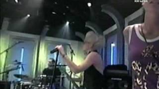 Moby ft. Gwen Stefani - Southside (Fashionably Loud, 2001)