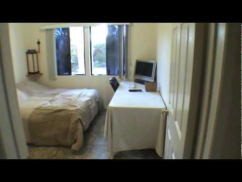 550 105 sq ft room for rent tarzana ca youtube for Square footage of a room
