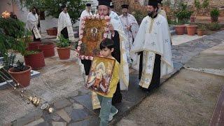 Πλήθος κόσμου ανηφόρισε στη Ζωοδόχο Πηγή για να προσκυνήσει την Παναγία