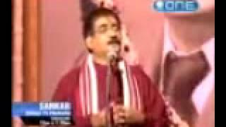 Hindi Mushaera or Kavi Sammelan  by Om Vyas tvrip.wmv