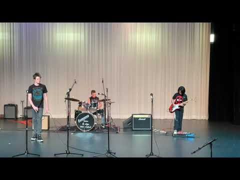 "7 Bridges Middle School Talent Show ""Alien Paradox"""