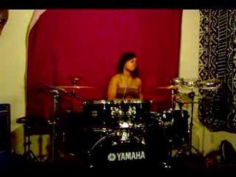 Kanye West- Flashing Lights Drum Remix (by Taylor Gordon)