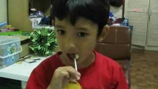 Kristo tries Milkita Lollipops
