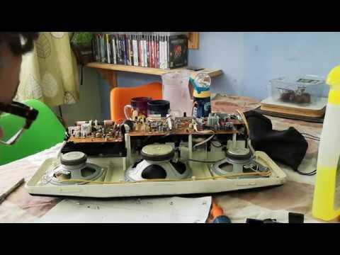 Philips Moving Sound D-8304 Radio Cassette Light Restoration - Part 2 - Dismantling