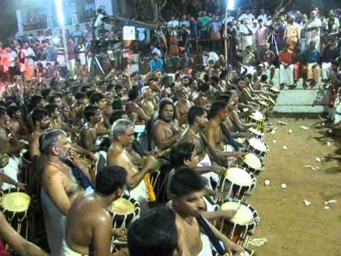 Peruvanam pooram 2015-Urakathammayude Panchari melam kalasham