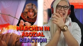 Luna reagiert auf Märchen in ASOZIAL - Julien Bam! | LACHFLASH | Twitch Highlights