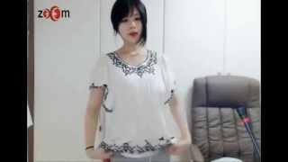 Download Video Hot girl Korean dance webcam MP3 3GP MP4