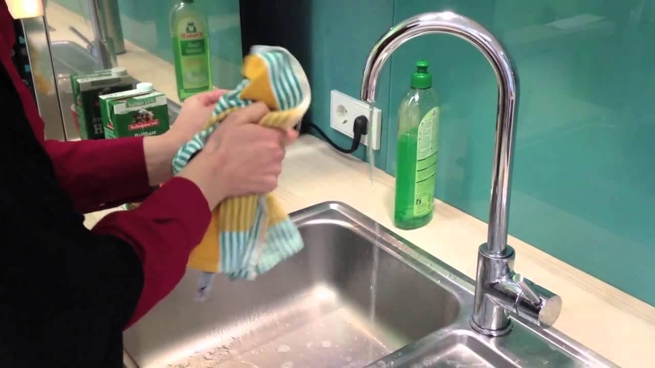 So verbreiten Sie unbewusst Salmonellen in der Küche - YouTube