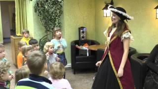 Аниматор на детский праздник в костюме пирата. Игры с детьми, конкурсы с воздушными шариками.(, 2016-02-18T04:57:58.000Z)