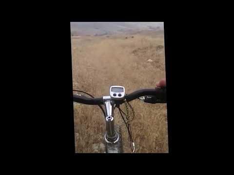 Tarlada Bisiklet Sürmek