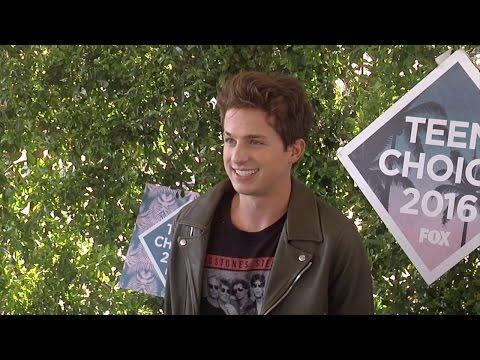 Charlie Puth Teen Choice Awards 2016 Green Carpet
