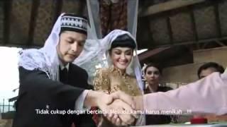 Download Video BH Melati JUPE -Titisan SUZANNA- dlm FILM -RUMAH BEKAS KUBURAN- UNCUT - YouTube.flv MP3 3GP MP4
