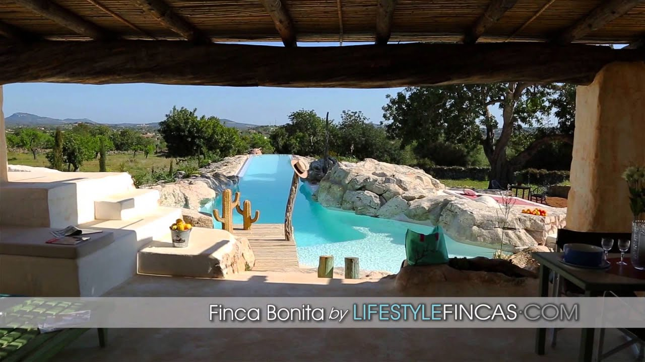 mallorca ferienhaus luxus finca bonita im ibiza stil mit xxl pool youtube. Black Bedroom Furniture Sets. Home Design Ideas