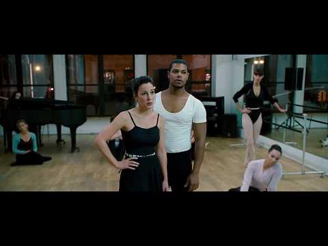 Не может отличить репетицию балета от стриптиза I Копы в глубоком запасе I 2010