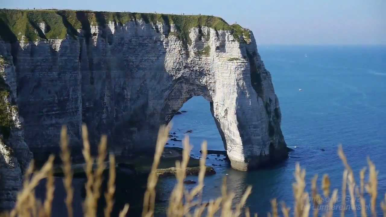 Falaises Etretat Haute Normandie France Youtube