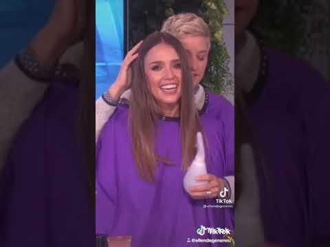 Ellen Degeneres having fun with Jessica Alba
