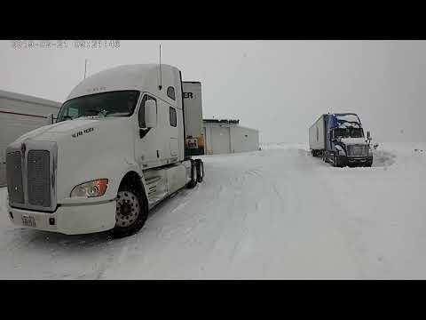 Snowing truck stop flying j bellemont,az