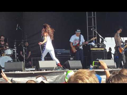 Juliette Lewis and the Licks 2016 Denver riot fest live
