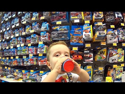 HOT WHEELS E GUARANÁ NA LOJA DE BRINQUEDOS TOYS R US - Hot Wheels Toys Are Us Toy Shop