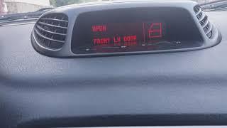 Alfa Romeo 156 yol bilgi ekranindaki acik bagaj ve kapilarin hangisiyse uyarisi