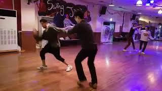 Baixar Felipe & JP social dance (Oct 16, 2017 @SwingHappy)