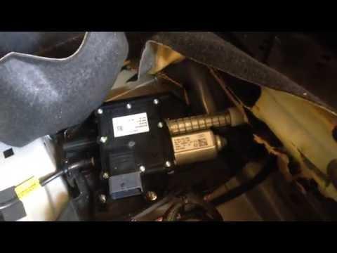 Citroen Grand C4 Picasso parking handbrake motor location