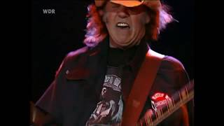 Neil Young - Cortez the Killer ( live 2002 ) HD